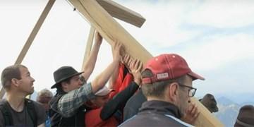 DAV-Sektion Tölz errichtet neues Kreuz am Schafreuter