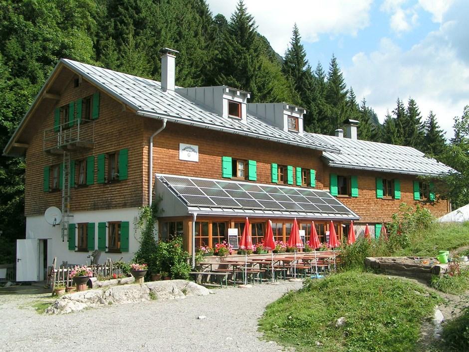 Schwarzenberghütte (1380m)