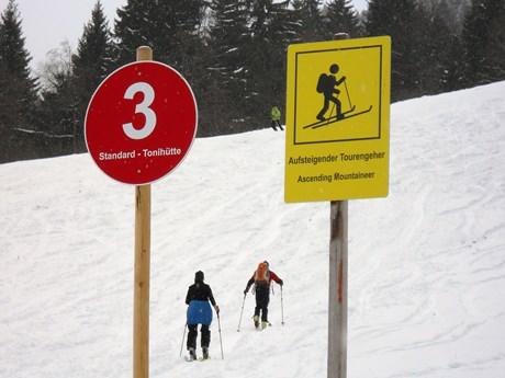 Skitouren auf Pisten: Das müsst Ihr beachten
