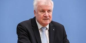 "Horst Seehofer erhält den ""Bock des Jahres"""