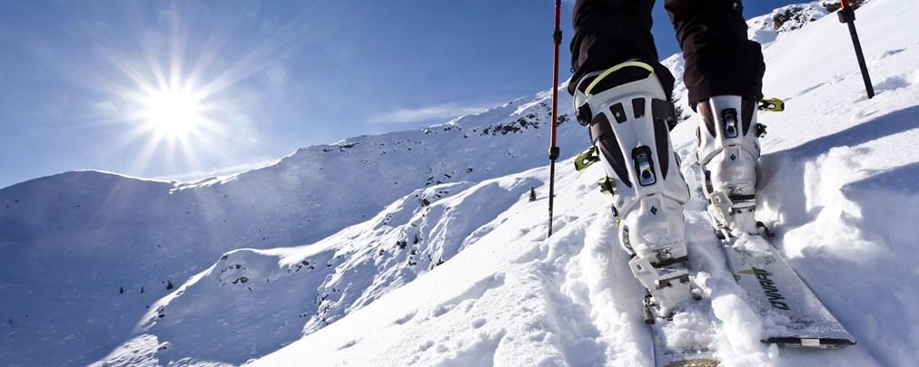 So lagert Ihr Eure Skitourenausrüstung richtig