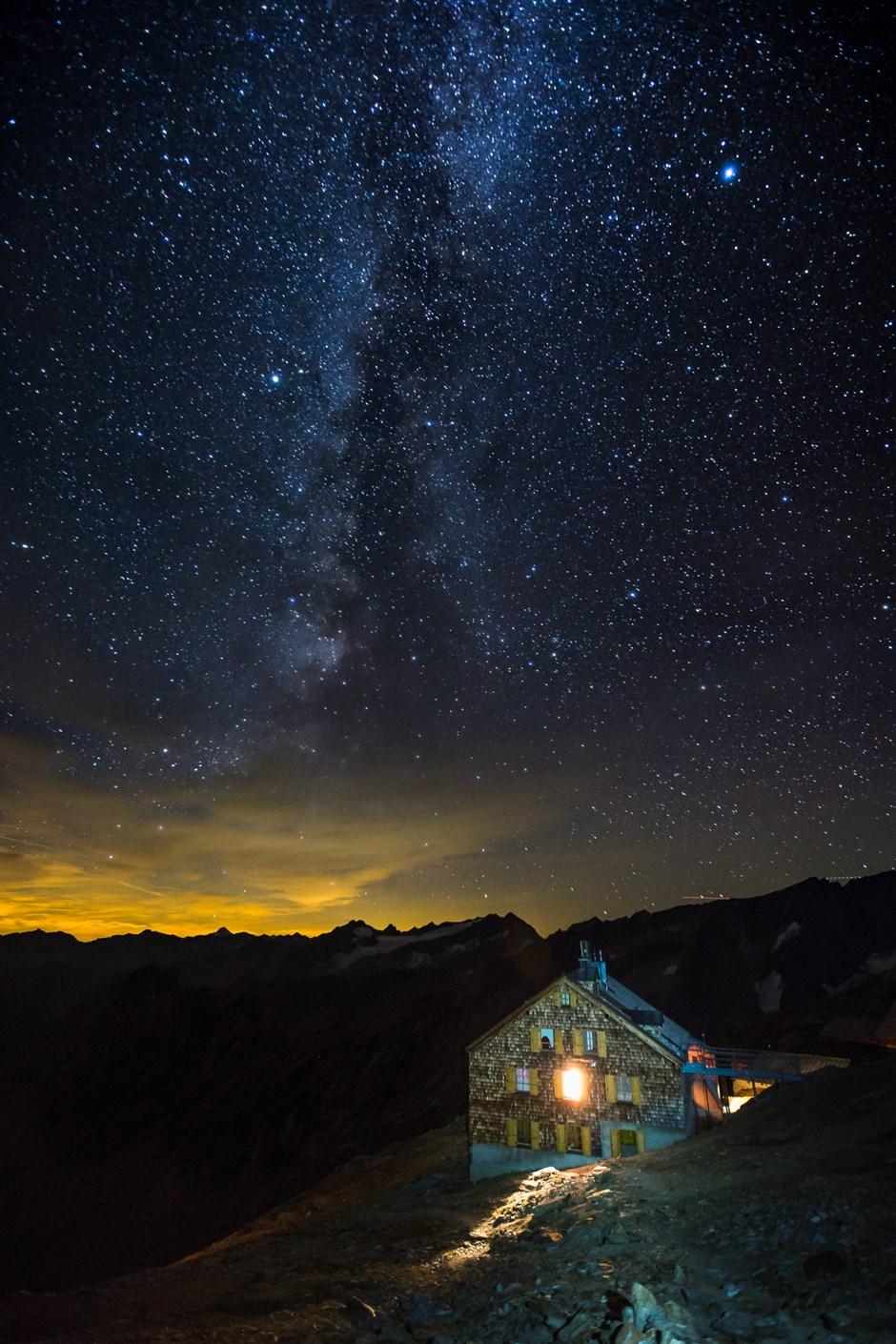 Sternenhimmel über dem Defreggerhaus