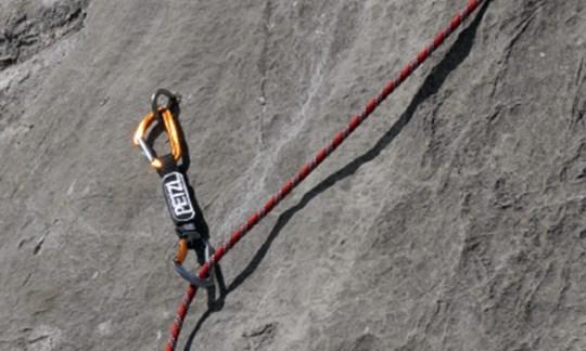 Kletterausrüstung Prüfen : Felsklettern: das müsst ihr beherrschen!
