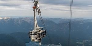 Zugspitz-Seilbahn: Gondel komplett zerstört