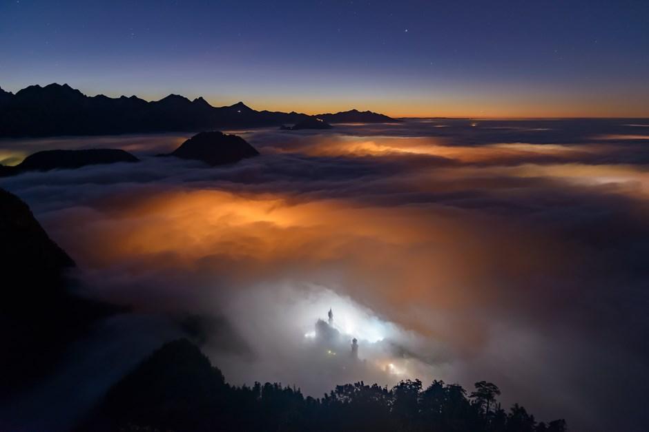 """Platz eins: """"Neuschwanstein im Nebel"""""""