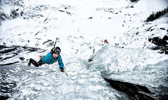 Auf dem Weg nach oben: Profi-Kletterer Gietl und Seilpartner Seiwald