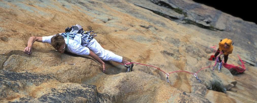Felsklettern: So richten Sie einen Standplatz ein!