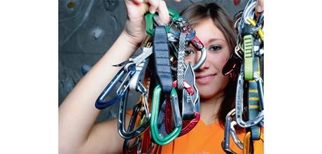 Ausrüstungs-Essentials: Das braucht man zum Klettern