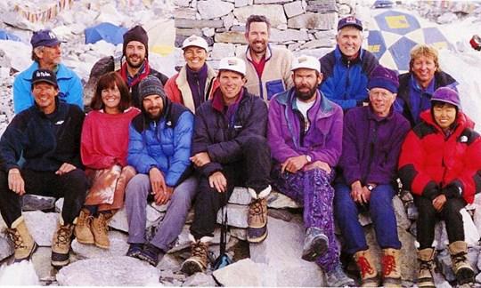 Gruppenfoto des Adventure Consultants Team vor der Tragödie 1996