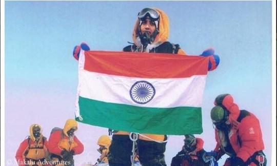Photoshop lässt grüßen...: Das angebliche Gipfelfoto des indischen Bergsteigers.
