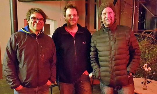 Bei der Premiere in Nürnberg: Tom Dauer, Casablanca Theaterleiter Matthias Damm und Interviewer Holger Rupprecht (v.l.).