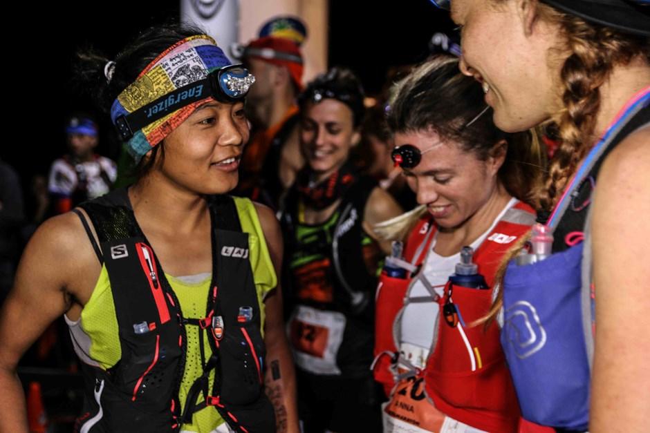 Im Kreis internationaler Top-Läuferinnen