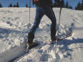 Flacher letzter Schritt vor der Spitzkehre auf Skitour