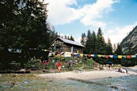 Ein schönes Ziel für Bergreunde: Die Reintalangerhütte, seit vieln Jahren liebevoll bewirtet von Charly Wehrle.