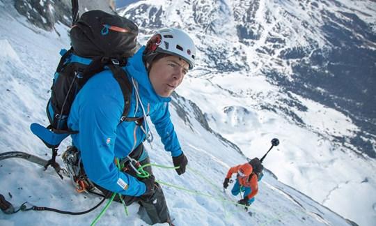 In der Nordwand: Dani Arnold und Stephan Siegrist.