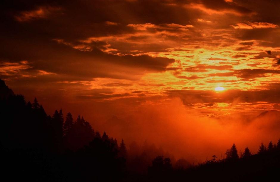 mystische Sonnenaufgangsstimmung