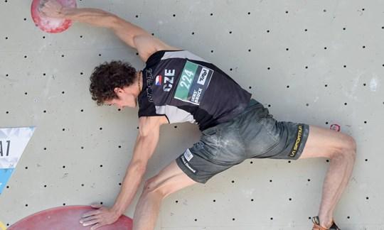 Klettermeister in Aktion: Adam Ondra.