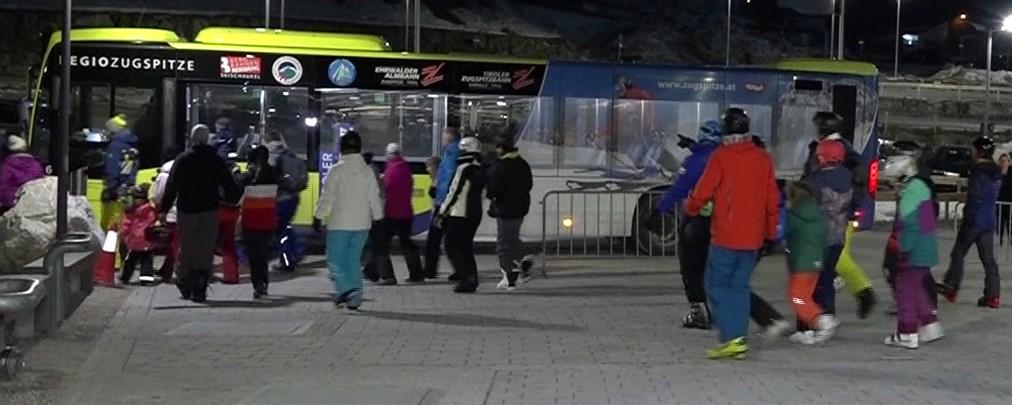 Zugspitze: 82 Menschen aus Gondel evakuiert