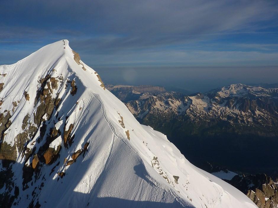 Seilschaft am Gipfel der Aiguille Verte auf  4122 m