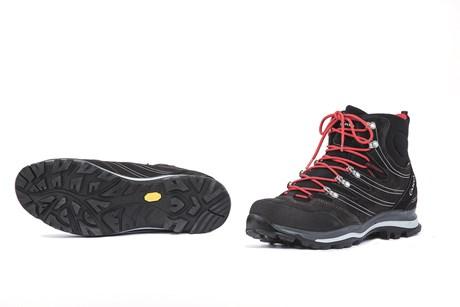10 Schuhe zum Weitwandern im Test