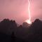 Blitzeinschlag über dem Rosengarten