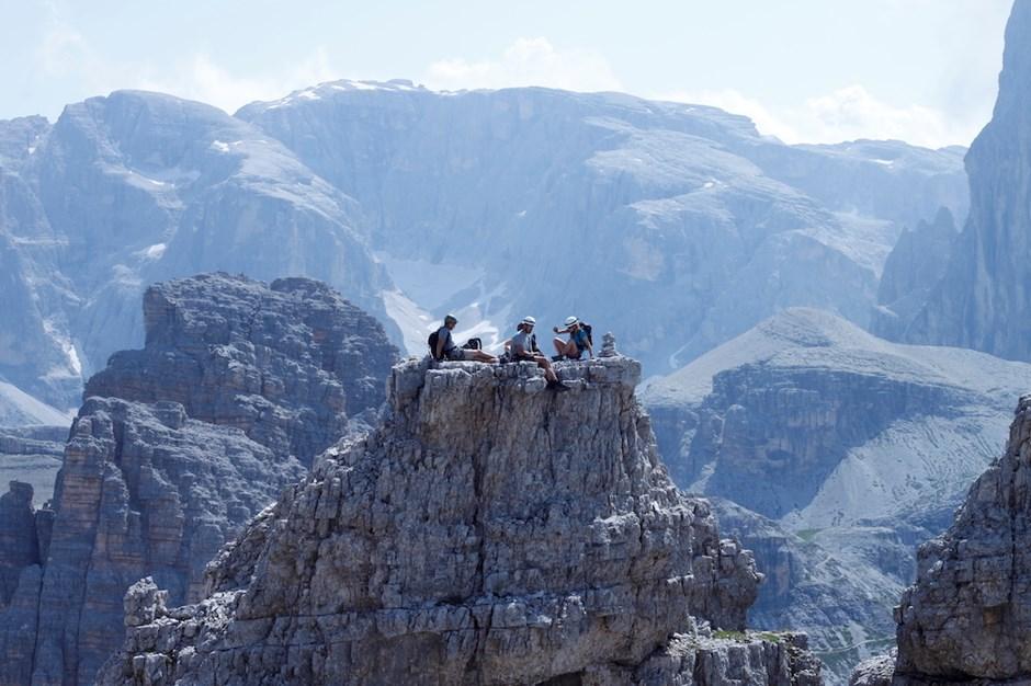 Gipfelpause im Bergparadies