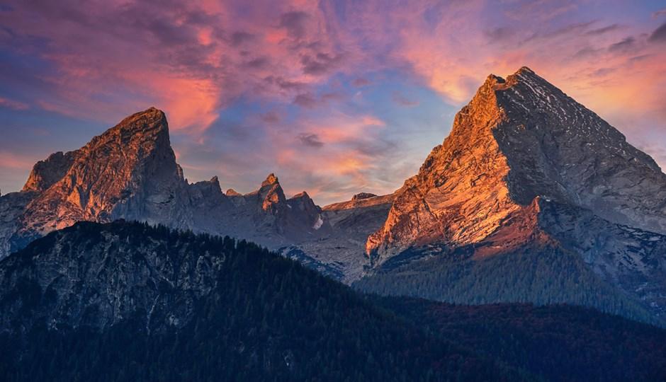Der Watzmann kurz nach Sonnenaufgang