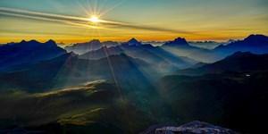"""ALPIN-PICs: Jetzt alle """"Berge im Licht"""" bewerten!"""