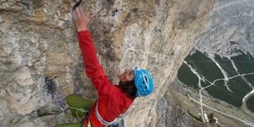 """Simon Gietl klettert """"Neolite"""" in den Dolomiten frei"""