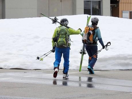 DAV: Acht Appelle für Pistenskitouren im Corona-Winter