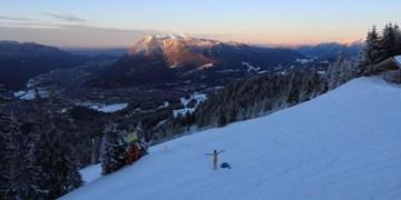 Garmisch-Classic: Wanderer zieht am Kreuzjoch blank
