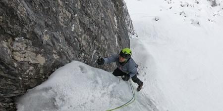 "Martin Sieberer & Simon Messner gelingt Erstbegehung der Eiskletter-Route ""Eremit"""