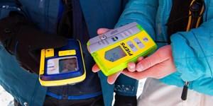 Lawinenausrüstung: Besser Akkus oder Batterien im LVS-Gerät verwenden?