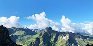Berge im TV: Sehnsuchtsziele für Wanderer in Italien, Deutschland, Österreich & Andorra