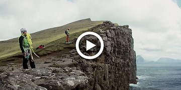 The OhOhOhs: Peak District - A day in climbers life