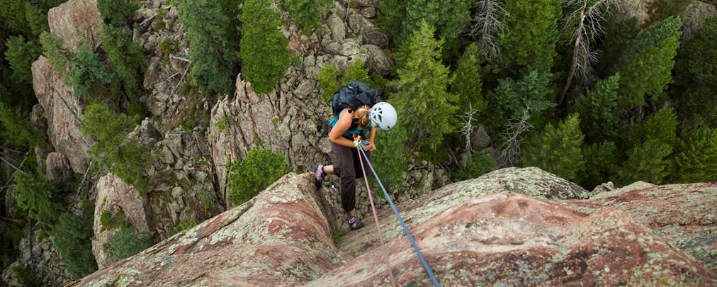 Richtig Abseilen beim Felsklettern: So geht's!