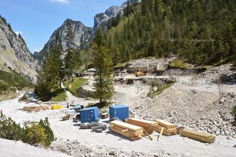 Bilder vom Bau der Höllentalangerhütte