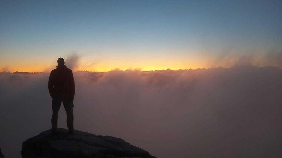 Der Mann und das Wolkenmeer
