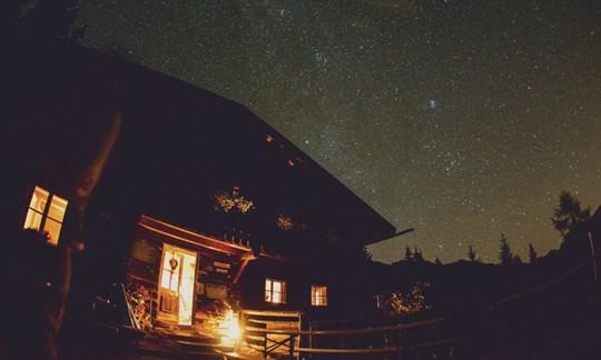 Pleisenhütte bei Nacht